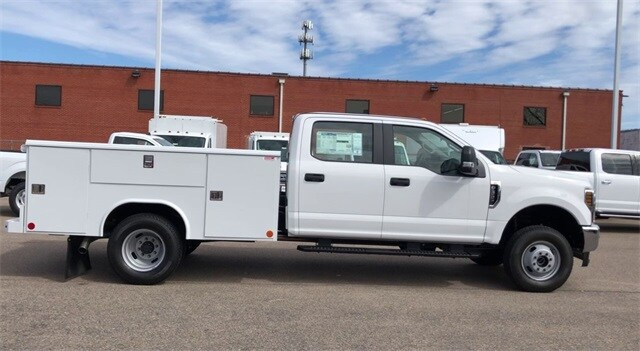 2019 F-350 Crew Cab DRW 4x4, Reading Service Body #L191415 - photo 5