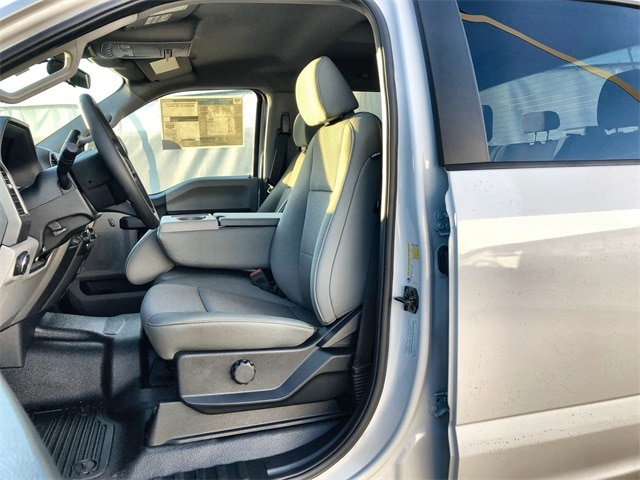 2020 F-450 Crew Cab DRW 4x4, Pickup #L20186 - photo 11