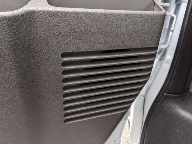 2020 GMC Savana 3500 4x2, Cutaway Van #F4300851 - photo 12