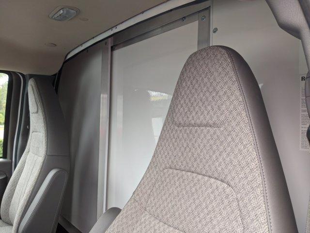 2020 GMC Savana 3500 4x2, Cutaway Van #F4300851 - photo 14