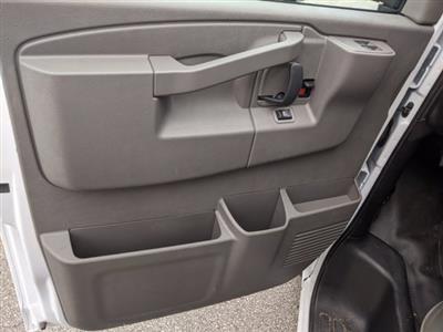 2020 GMC Savana 3500 4x2, Cutaway Van #F4300851 - photo 11