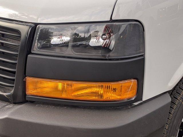 2020 GMC Savana 3500 4x2, Knapheide KCA Cutaway Van #F4300888 - photo 4