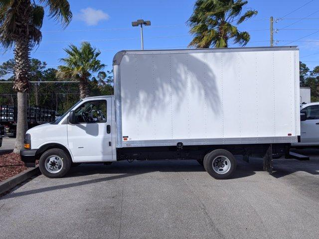 2020 GMC Savana 3500 4x2, Knapheide KCA Cutaway Van #F4300888 - photo 9