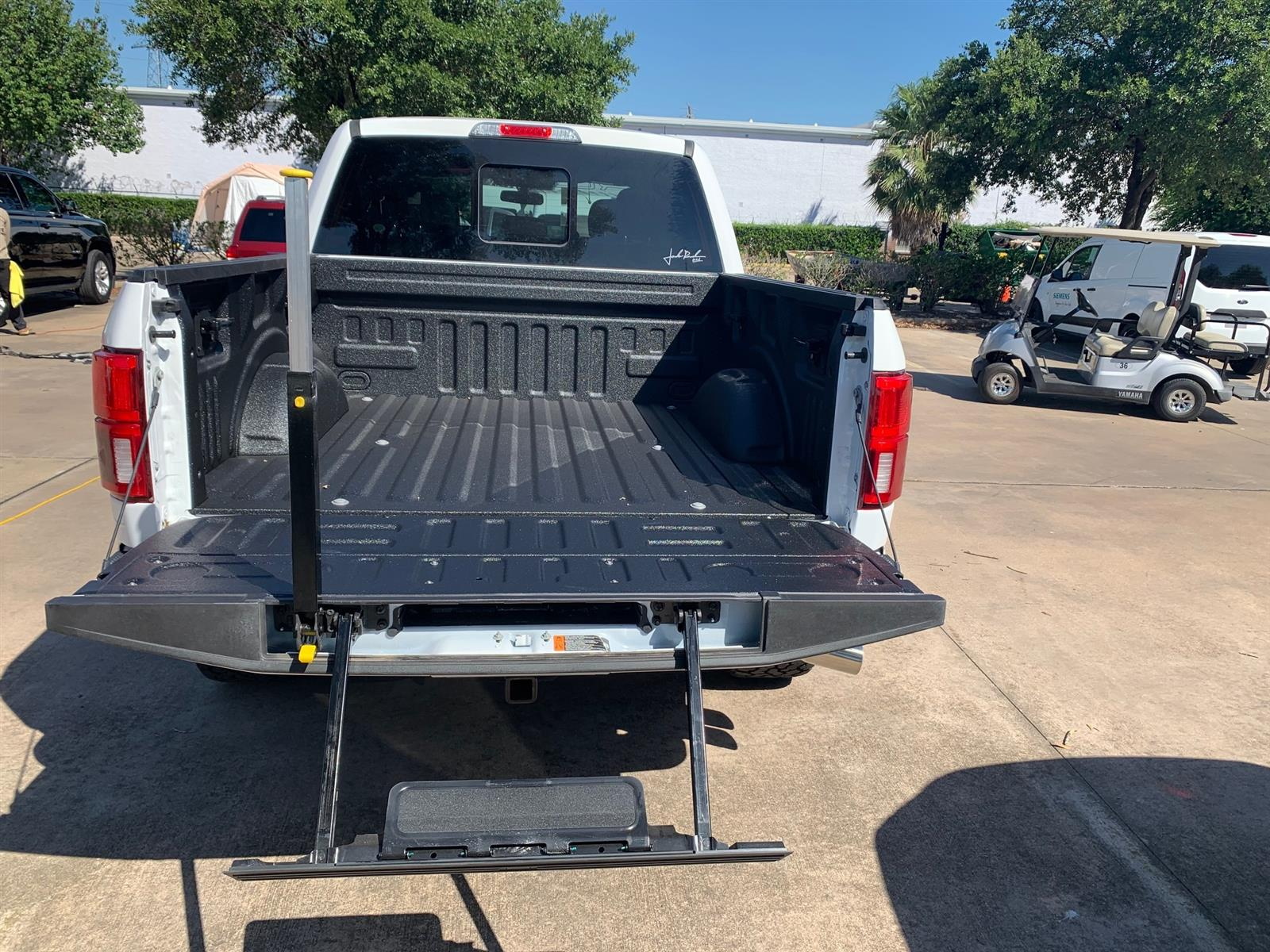 2020 Ford F-150 SuperCrew Cab 4x4, Pickup #LFB38881 - photo 5