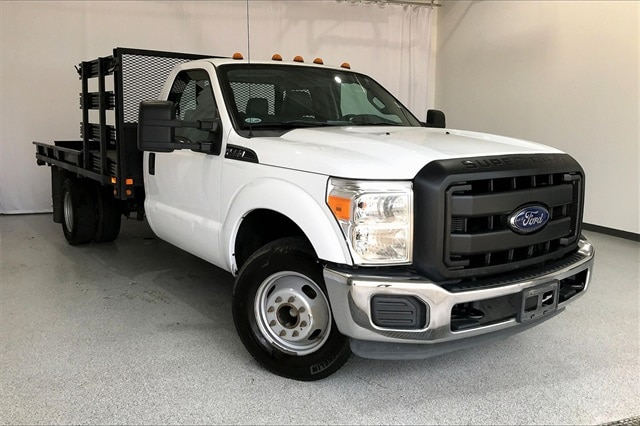 2014 Ford F-350 Regular Cab DRW RWD, Platform Body #PEEB76462 - photo 3