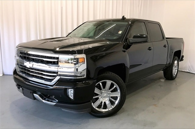 2017 Chevrolet Silverado 1500 Crew Cab RWD, Pickup #PHG148412 - photo 1