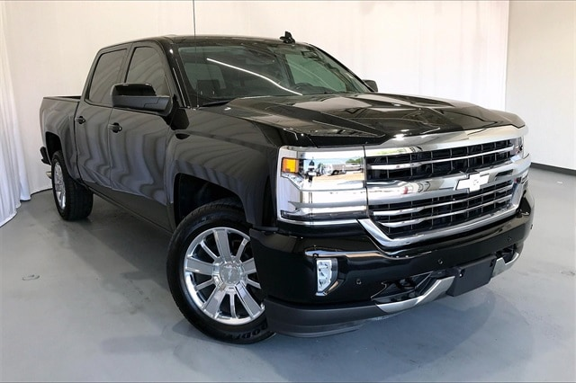 2017 Chevrolet Silverado 1500 Crew Cab RWD, Pickup #PHG148412 - photo 3