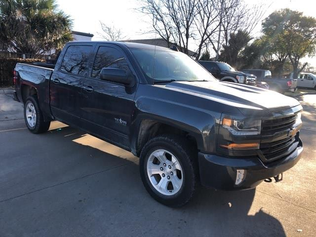 2017 Chevrolet Silverado 1500 Crew Cab 4x4, Pickup #PHG383204 - photo 3