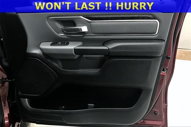 2019 Ram 1500 Crew Cab 4x4, Pickup #PKN879076 - photo 29