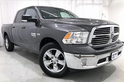 2019 Ram 1500 Crew Cab 4x4, Pickup #PKS662261 - photo 3