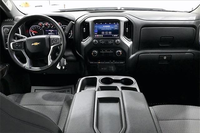 2019 Chevrolet Silverado 1500 Crew Cab 4x2, Pickup #PKZ192240 - photo 17