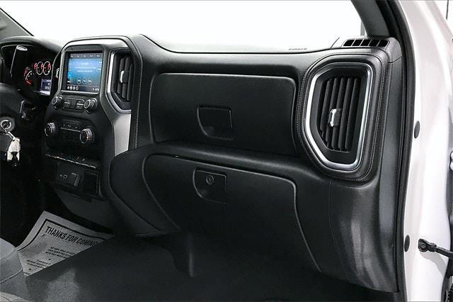 2019 Chevrolet Silverado 1500 Crew Cab 4x2, Pickup #PKZ192240 - photo 18