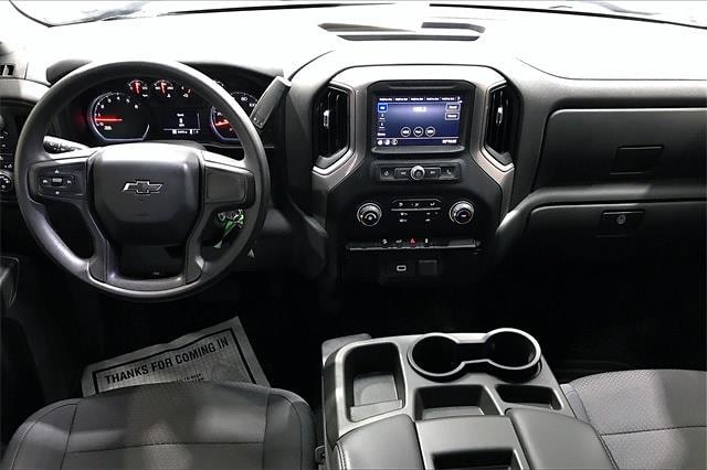2020 Chevrolet Silverado 1500 Crew Cab 4x4, Pickup #PLG111246 - photo 17