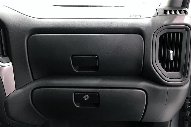 2020 Chevrolet Silverado 1500 Crew Cab 4x4, Pickup #PLG111246 - photo 18