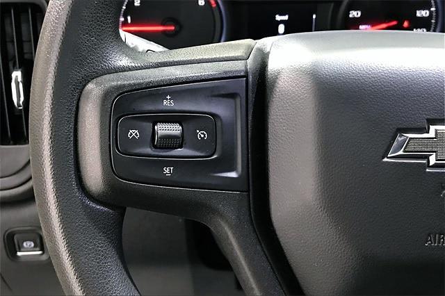 2020 Chevrolet Silverado 1500 Crew Cab 4x4, Pickup #PLG111246 - photo 24