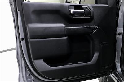 2020 Chevrolet Silverado 1500 Crew Cab 4x4, Pickup #PLG111246 - photo 28
