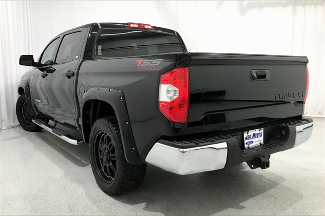 2014 Toyota Tundra Crew Cab 4x2, Pickup #TEX169542 - photo 2