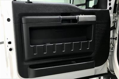 2015 Ford F-250 Crew Cab 4x2, Pickup #TFED52068 - photo 28