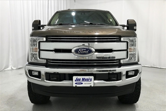2017 Ford F-250 Crew Cab 4x4, Pickup #THEB76910 - photo 4
