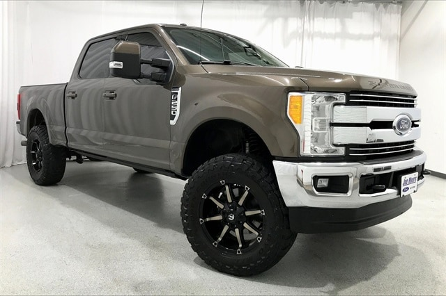 2017 Ford F-250 Crew Cab 4x4, Pickup #THEB76910 - photo 39