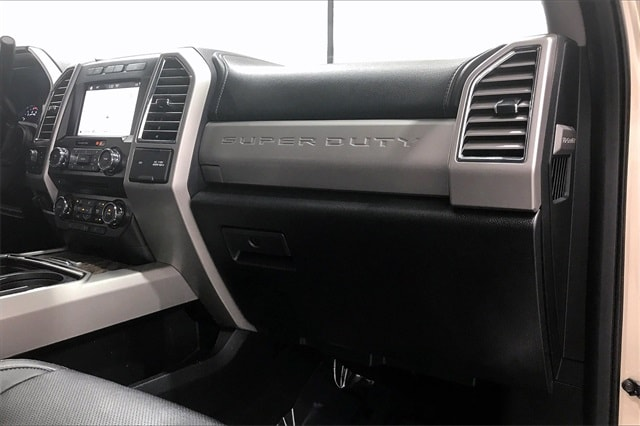 2017 Ford F-250 Crew Cab 4x4, Pickup #THED32179 - photo 18