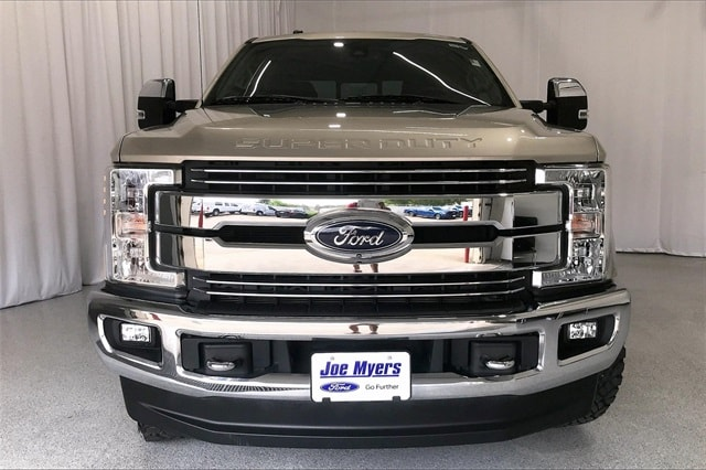 2017 Ford F-250 Crew Cab 4x4, Pickup #THED32179 - photo 4