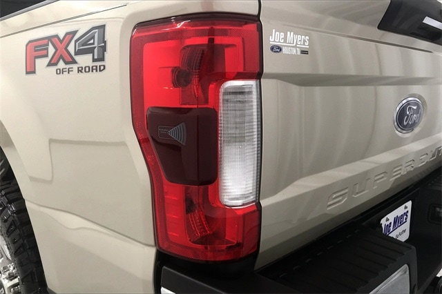 2017 Ford F-250 Crew Cab 4x4, Pickup #THED32179 - photo 33