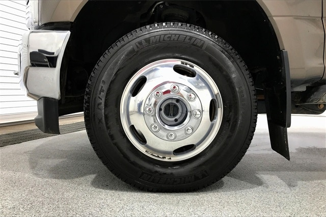 2017 Ford F-350 Crew Cab DRW 4x4, Pickup #THEE23838 - photo 11