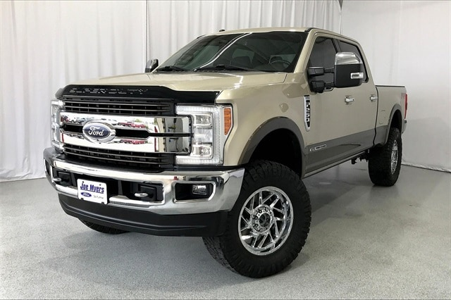 2017 Ford F-250 Crew Cab 4x4, Pickup #THEE80873 - photo 1