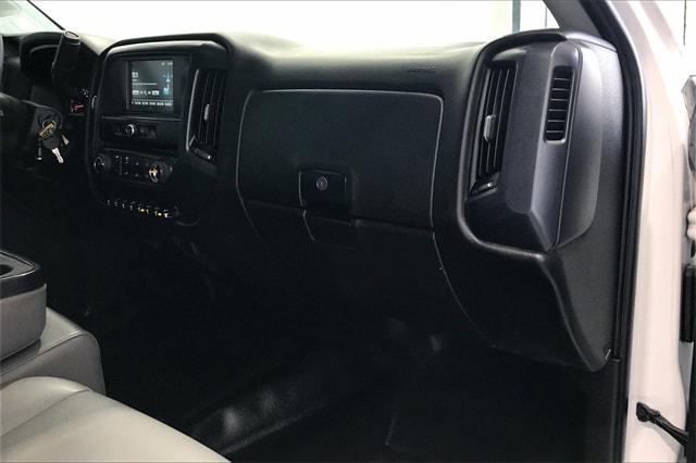2017 Chevrolet Silverado 3500 Crew Cab RWD, Platform Body #THF135832 - photo 15