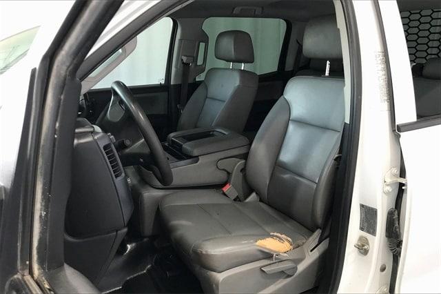 2017 Chevrolet Silverado 3500 Crew Cab RWD, Platform Body #THF135832 - photo 17