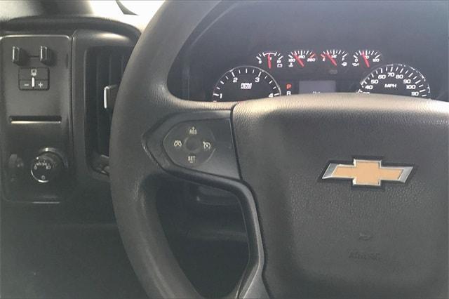 2017 Chevrolet Silverado 3500 Crew Cab RWD, Platform Body #THF135832 - photo 19