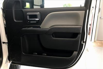 2017 Chevrolet Silverado 3500 Crew Cab RWD, Platform Body #THF135832 - photo 24