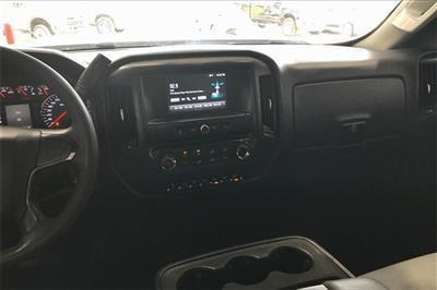 2017 Chevrolet Silverado 3500 Crew Cab RWD, Platform Body #THF135832 - photo 5