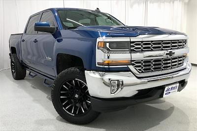 2017 Chevrolet Silverado 1500 Crew Cab 4x2, Pickup #THG183203 - photo 1