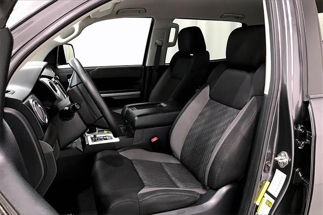 2017 Toyota Tundra Crew Cab 4x2, Pickup #THX112850 - photo 20