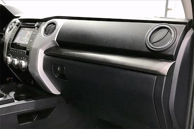2017 Toyota Tundra Crew Cab 4x2, Pickup #THX112850 - photo 18