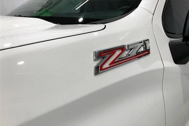 2019 Chevrolet Silverado 1500 Crew Cab 4x4, Pickup #TKG313732 - photo 9