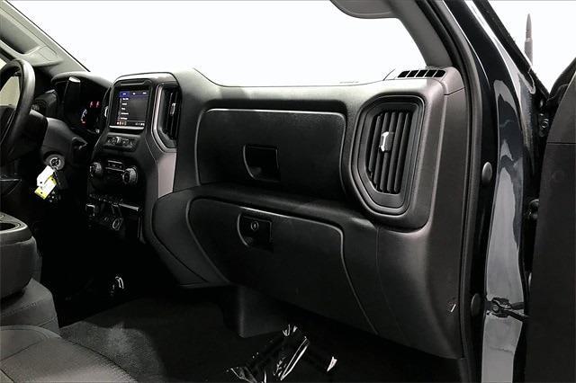 2020 Chevrolet Silverado 1500 Crew Cab 4x4, Pickup #TLG203482 - photo 18