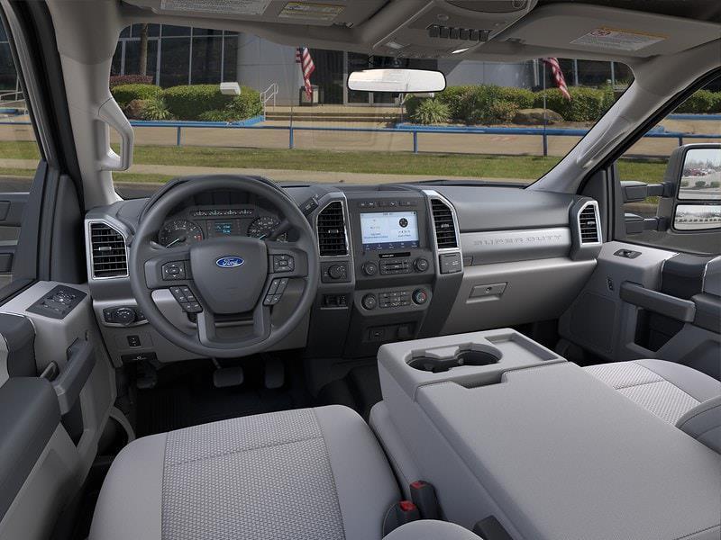 2021 Ford F-250 Crew Cab 4x4, Pickup #MEE06456 - photo 9