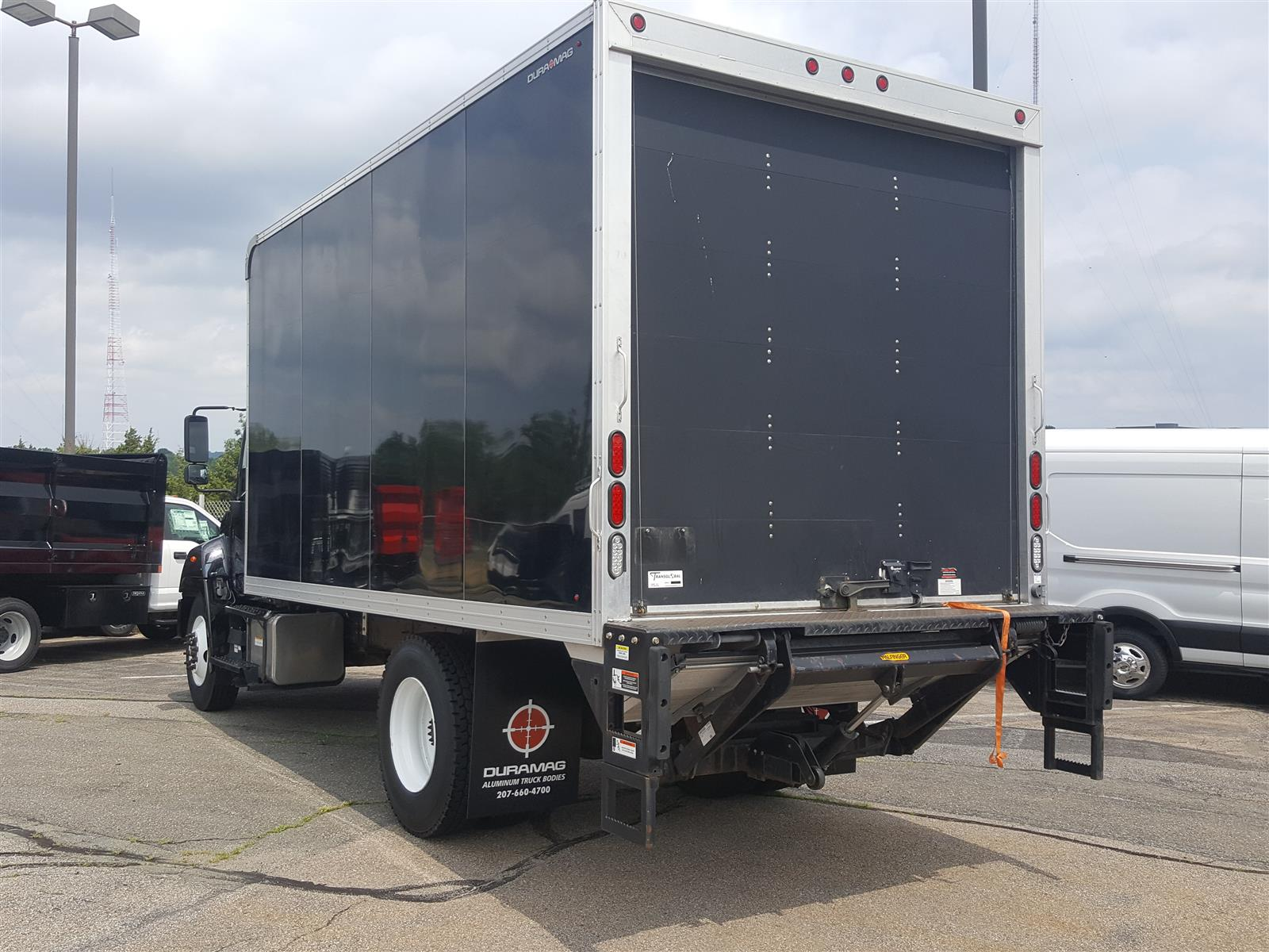 2014 Hino Truck Regular Cab DRW, 25,950# GVW, DuraMag Body, Tuckaway Liftgate, 15,040 miles! #KB872461 - photo 1
