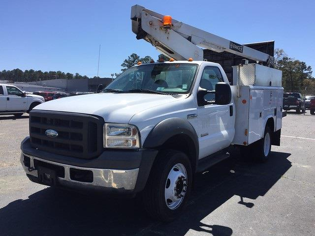 2005 F-450 Regular Cab DRW 4x2, Crane Body #3111U - photo 5