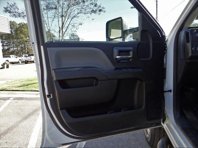 2019 Chevrolet Silverado 2500 Crew Cab 4x4, Platform Body #3842U - photo 26