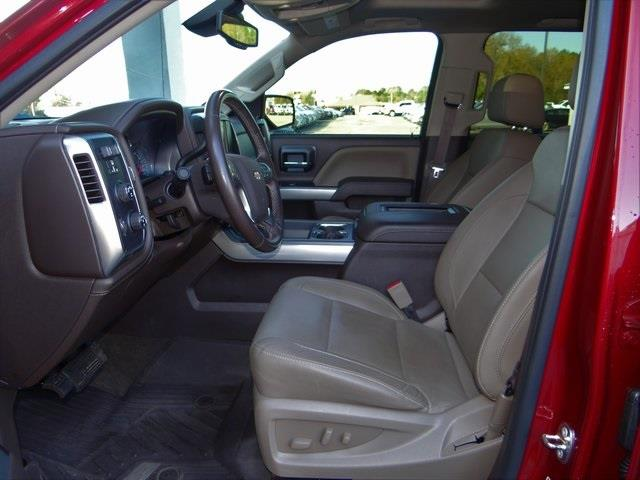 2018 Chevrolet Silverado 1500 Crew Cab 4x4, Pickup #3846U - photo 9
