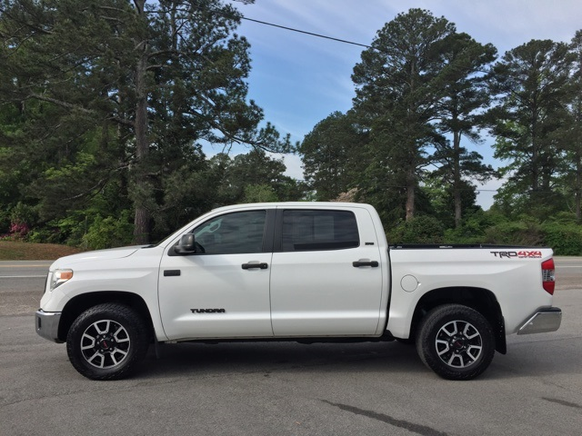 2015 Tundra Crew Cab 4x4, Pickup #T61071 - photo 10