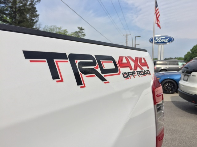 2015 Tundra Crew Cab 4x4, Pickup #T61071 - photo 16