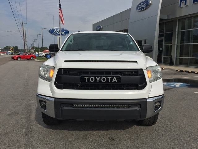 2015 Tundra Crew Cab 4x4, Pickup #T61071 - photo 3