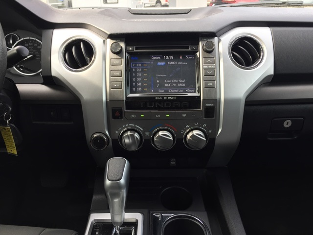2015 Tundra Crew Cab 4x4, Pickup #T61071 - photo 29