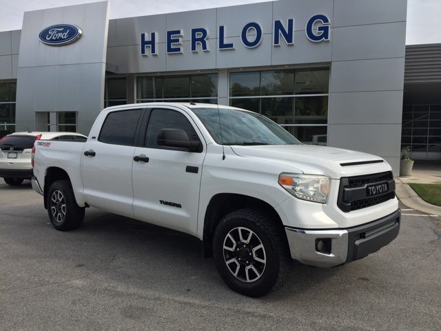 2015 Tundra Crew Cab 4x4, Pickup #T61071 - photo 9