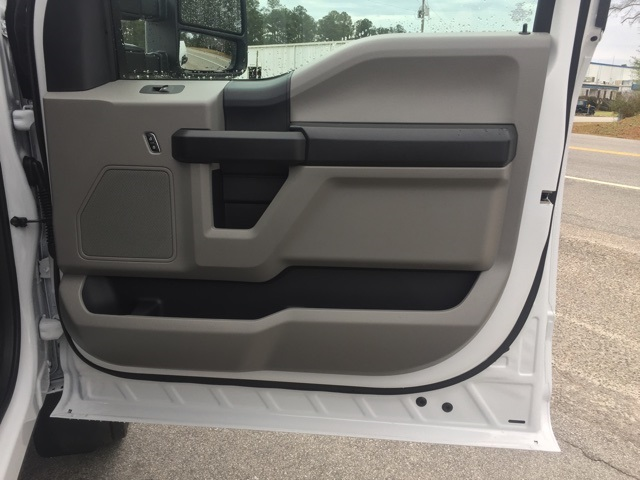 2019 Ford F-550 Crew Cab DRW 4x2, Cab Chassis #T6134 - photo 29